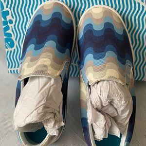 Native Shoes Miles Denim Print size 6
